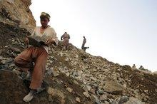 Workers in a stone quarry in the Afghan province of Badakhshan (photo: Martin Gerner)