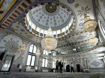 Interior of the Fatih mosque in Wülfrath, Germany (photo: AP)