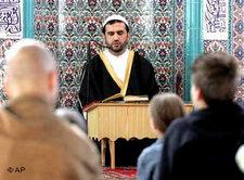 Muslims in a mosque in Gelsenkirchen, Germany (photo: AP)