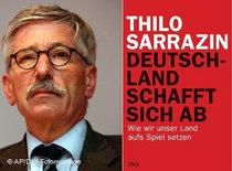Thilo Sarrazin and the cover of his book (photo: AP/DW)