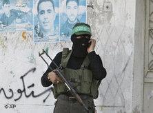 Hamas armed militiaman in the Gaza Strip (photo: AP)