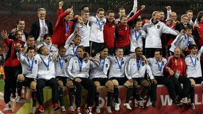 The German team after having won 3rd place at the 2010 FIFA World Championship in South Africa (photo: AP)