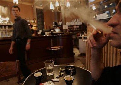 Café in Paris (photo: AP)