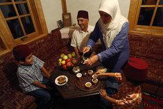 A Muslim family (photo: AP)