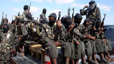 Al-Shabab militiamen in Mogadishu (phto: AP/Farah Abdi Warsameh)