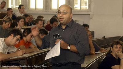 Armin Nassehi in class (photo: picture-alliance/Süddeutsche Zeitung)