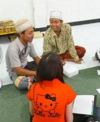 Chinese Christian students discussing religion at an Islamic boarding school (photo: Lyn Parker)