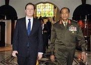 British PM David Cameron and Egyptian Defence Minister Mohammed Hussein Tantawi (photo: AP)