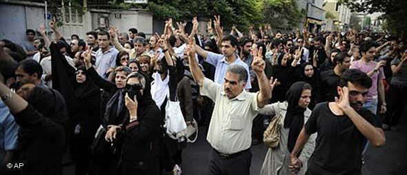 Proteste der Grünen Bewegung im Iran; Foto: AP
