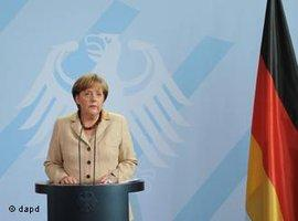 German chancellor Angela Merkel comments on the death of Bin Laden in front of the press (photo: dapd)