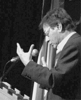 Mahmoud Darwish (photo: Amer Shomali/Wikipedia)