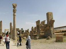 Tourists in Persepolis (photo: Elisabeth Kiderlen)
