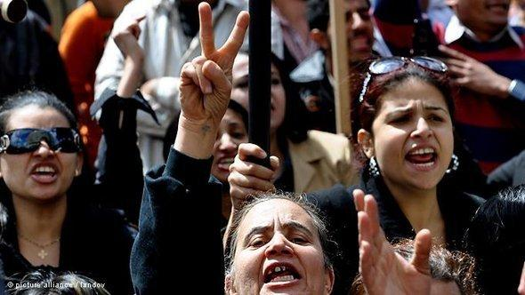 Copts protesting in Cairo after the attacks on the churches (photo: dpa)