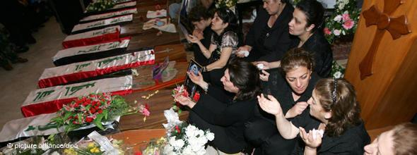 Funeral for the victims of a terrorist attack on a Church in Baghdad (photo: AP)