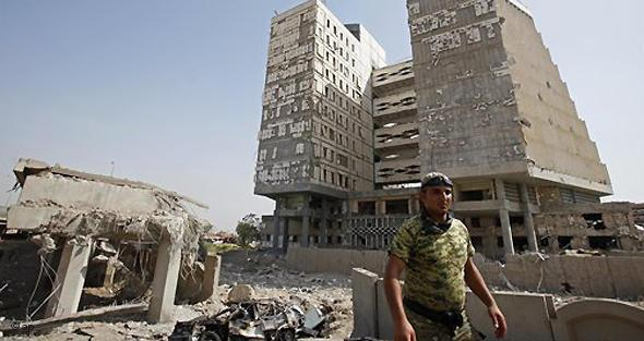 After the attack on the Iraqi Ministry of Finance in 2009 (photo: AP)