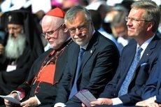 Kardinal Marx, Sant Egidio-founder Ricardi and President Wulff at the memorial of 9/11 during the international peace congress (photo:© Erzbistum München)