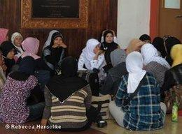 Indonesian women at Jakarta Airport (photo: Rebecca Henschmann)