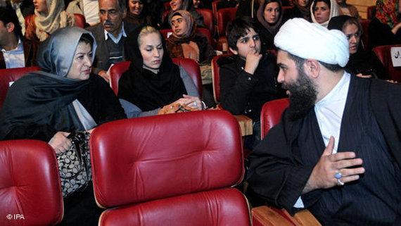 Kinopublikum auf dem Fajr-Filmfestival in Teheran; Foto: © IPA