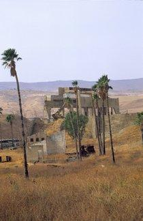 The ruin of the Rotenberg power station on the island of Bakoora/Naharayim (photo: Claudia Mende)