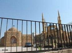 A church and a mosque in Beirut (photo: Dareen Al Omari)