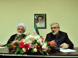 Mir Hossein Mousavi (right) and Mehdi Karroubi (photo: www.sahamnews.org)