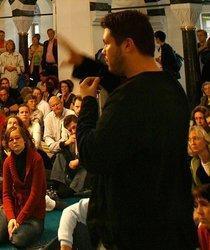 Ender Cetlin in the Sehitlik Mosque in Berlin Neukölln (photo: dpa)