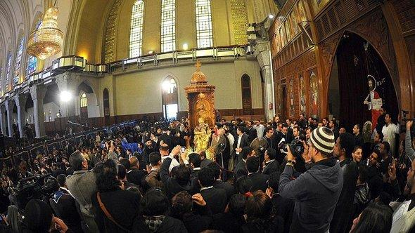 Coptic Christians in Egypt mourn the death of Pope Shenouda III (photo: EPA/MOHAMED OMAR)
