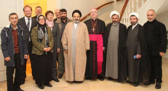 Delegation schiitischer Theologen zu Gast im ZeKK in Paderborn; Foto: dpa