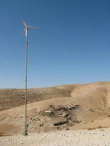 Wind turbine in the desert of Jordan (photo: DW)