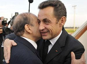 Algeria's President Abdelaziz Bouteflika, left, greets his French counterpart Nicolas Sarkozy upon his arrival at Algiers airport, Monday, 3 December 2007 (photo: AP)