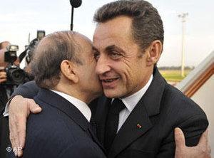 Algeria's President Abdelaziz Bouteflika, left, greets his French counterpart Nicolas Sarkozy upon his arrival at Algiers airport, Monday, 3 December 2007 (photo: AP)