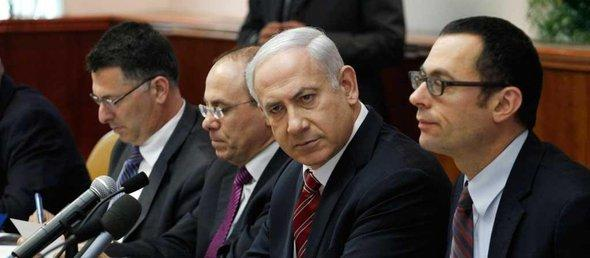 Israeli Prime Minister Benjamin Netanyahu (2nd from right) and members of his cabinet (photo: Reuters)