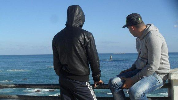 Algerian youth in the Algiers neighbourhood Bab el-Oued (photo: Bouadma Ratiba)