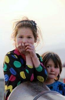 Two girls in Kabul (photo: Marian Brehmer)