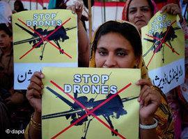 Anti-US drone protes in Peshawar, Pakistan (photo: dapd)