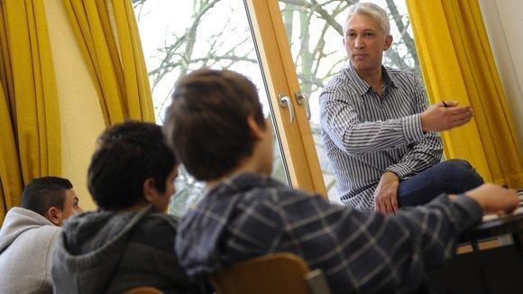 Bülent Senkaragoz is teaching Islamic lessons in Münster (photo: dpa)