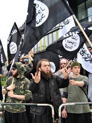 Protest of Muslim fundamentalists in Solingen (photo: dpa)