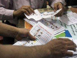 Counting of votes in a polling station in Egypt (photo: dpa)