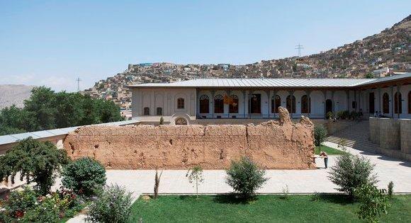"Adrian Villar Rojas's 2012 installation ""Return the World"" in Kabul (photo: Roman Mensing, art-magazin.de)"