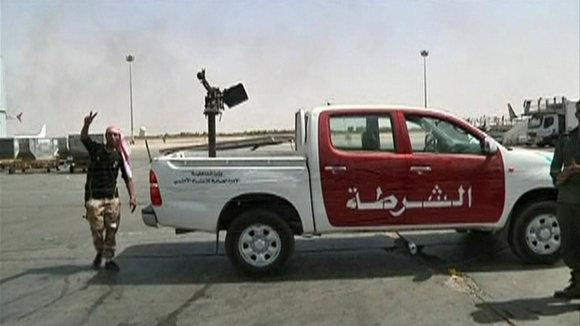 A vehicle mounted with an anti-aircraft gun at Tripoli's international airport, 4 June 2012 (photo: Reuters)