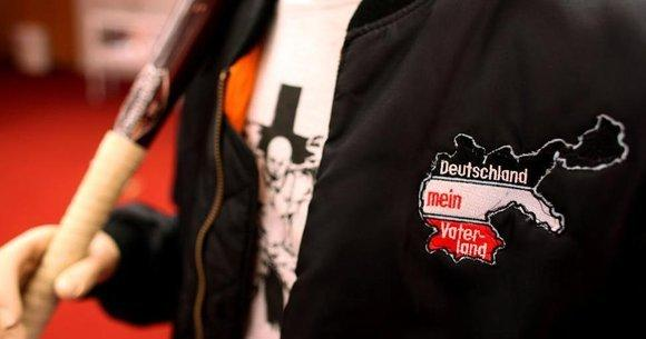 Clothing decorated with extreme right-wing symbols (photo: picture alliance/dpa)