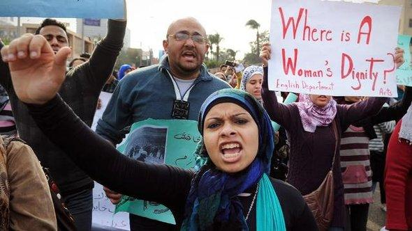 Demonstration in Cairo against police violence against women (photo: dapd)