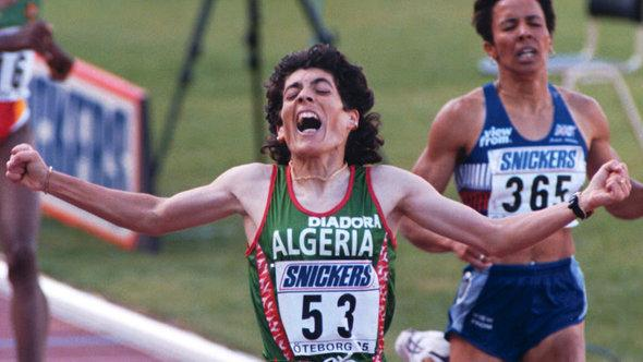 Hassiba Boulmerka winning the 1,500-m race at the World Championships in 1995 (photo: picture alliance/dpa)