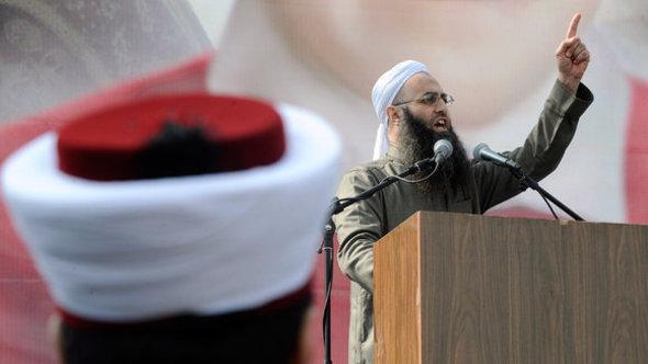 Salafist preacher fulminates against the Assad regime in Beirut (photo: picture-alliance/dpa)