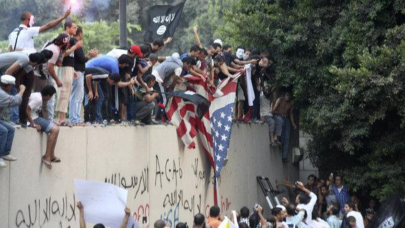 Anti-American protests on the compound of the American embassy in Cairo (photo: dapd)