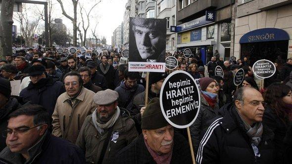 Silent protest for Hrant Dink in Istanbul (photo: Reuters)