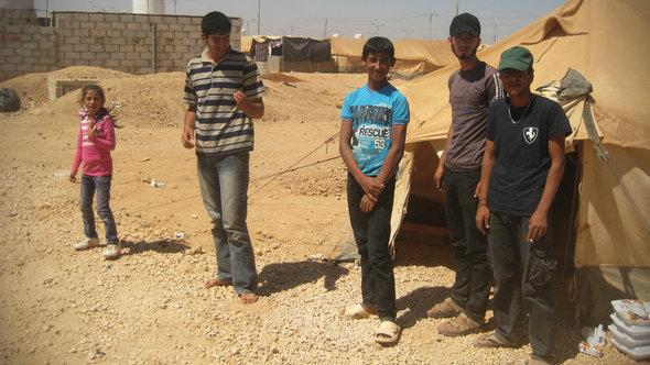 Syrian refugees in the Dneibe Zaatari camp in Jordan (photo: Doris Bulau)