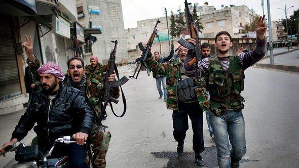 Kämpfer der Freien Syrischen Armee in Idlib, Foto: AP