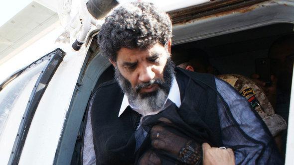 Auslieferung von Gaddafis ehemaligen Geheimdienstchef Senussi an Libyen; Foto: Reuters/Libyan National Guard/Handout