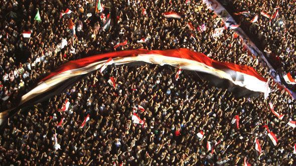 Demonstranten auf dem Tahrir Platz im Juni 2012 zur Zeit der Präsidentschaftswahlen in Ägypten; Foto: Reuters